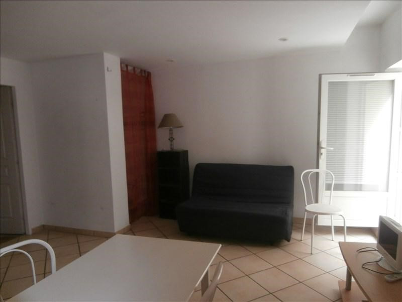 Rental apartment Manosque 402€ CC - Picture 1