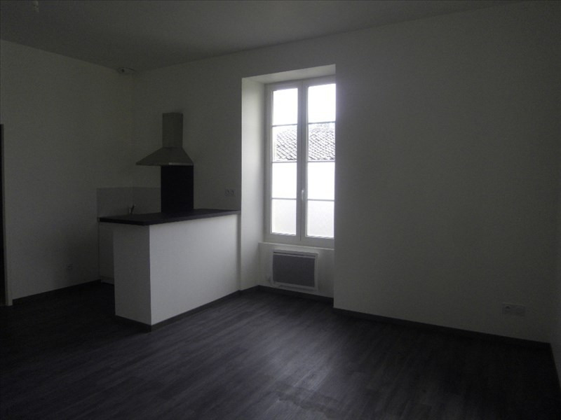 Rental apartment Cognac 414€ CC - Picture 4