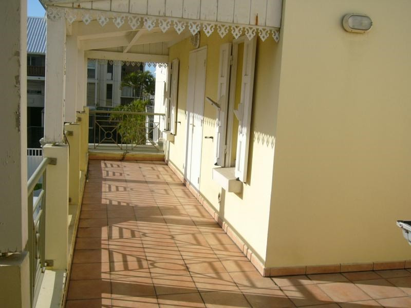 Investment property apartment St denis 78 000€ - Picture 2