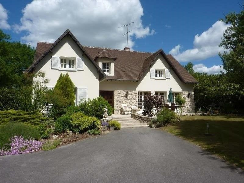 Deluxe sale house / villa Lamorlaye 647900€ - Picture 1