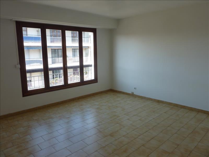 Rental apartment Marseille 10ème 650€ CC - Picture 1