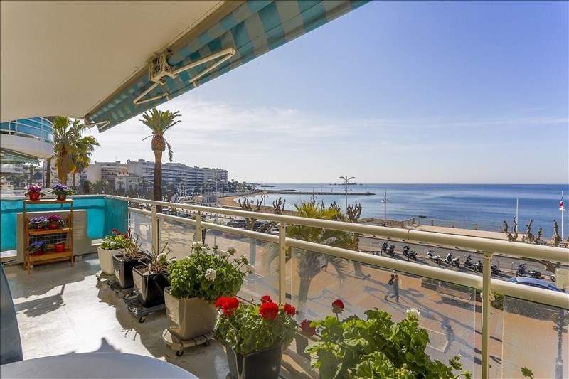 Deluxe sale apartment St raphael 1 090 000€ - Picture 2