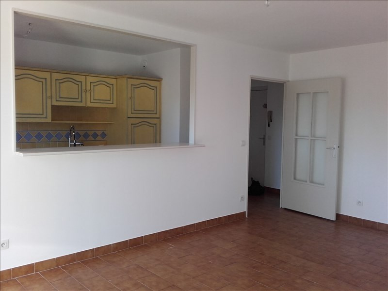 Location appartement Aix en provence 840€ CC - Photo 5