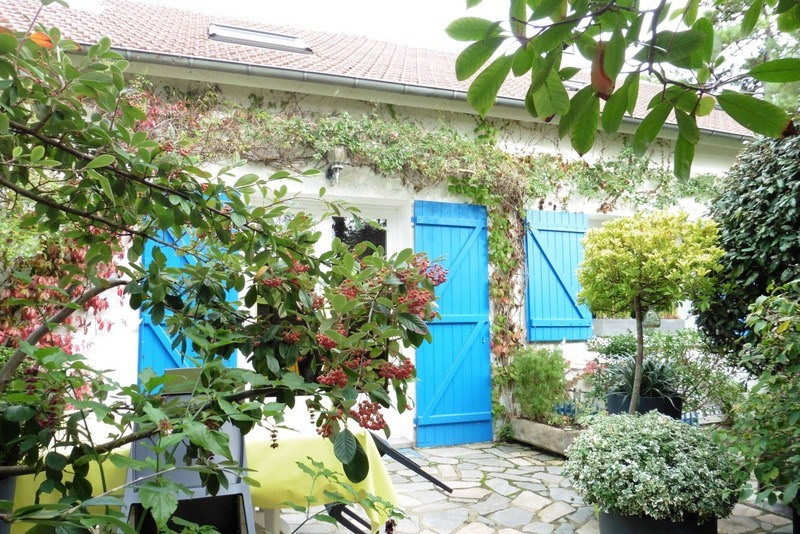 Sale house / villa St germain sur ay 252000€ - Picture 3