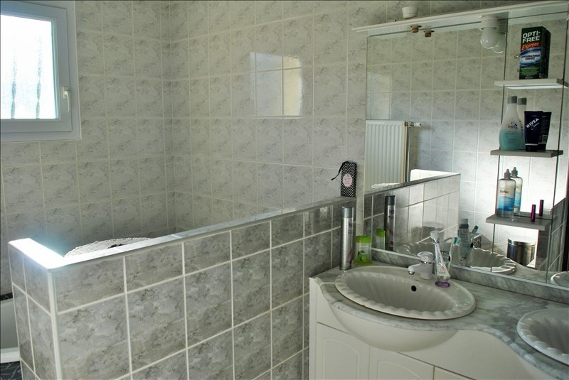 Sale house / villa Roanne 220000€ - Picture 6
