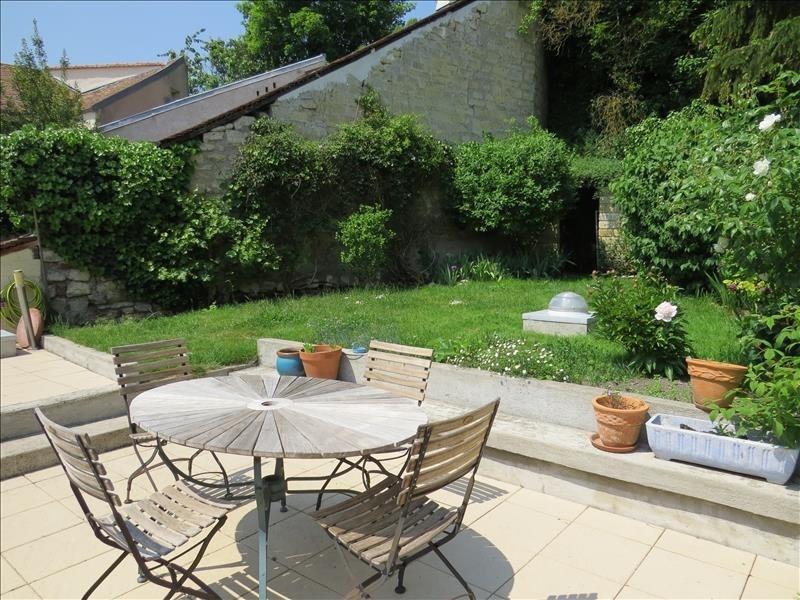 Sale house / villa Le mesnil-le-roi 640000€ - Picture 1