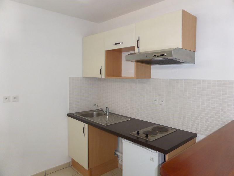 Location appartement St denis 607€ CC - Photo 3