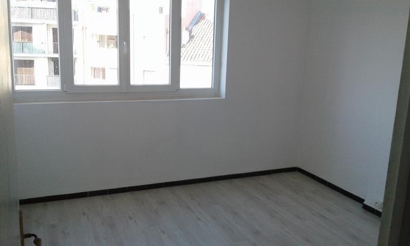Location appartement Marseille 6ème 650€ CC - Photo 6