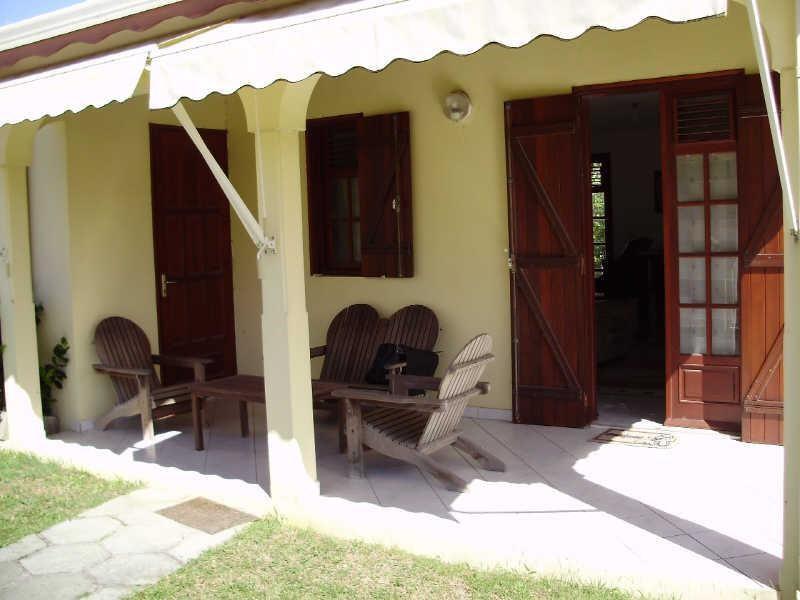 Rental house / villa Le gosier 810€ CC - Picture 2