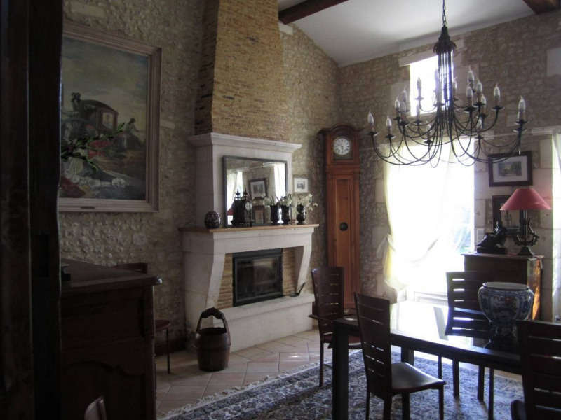 Sale house / villa Barbezieux-saint-hilaire 315 000€ - Picture 3