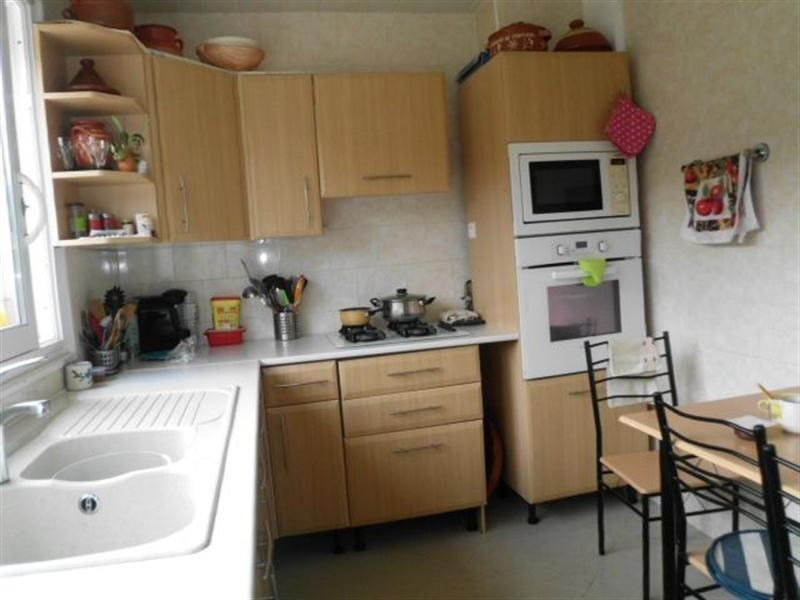 Sale house / villa Meyzieu 220000€ - Picture 2