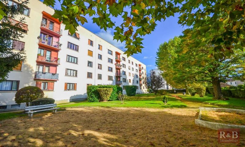 Sale apartment Les clayes sous bois 148000€ - Picture 1