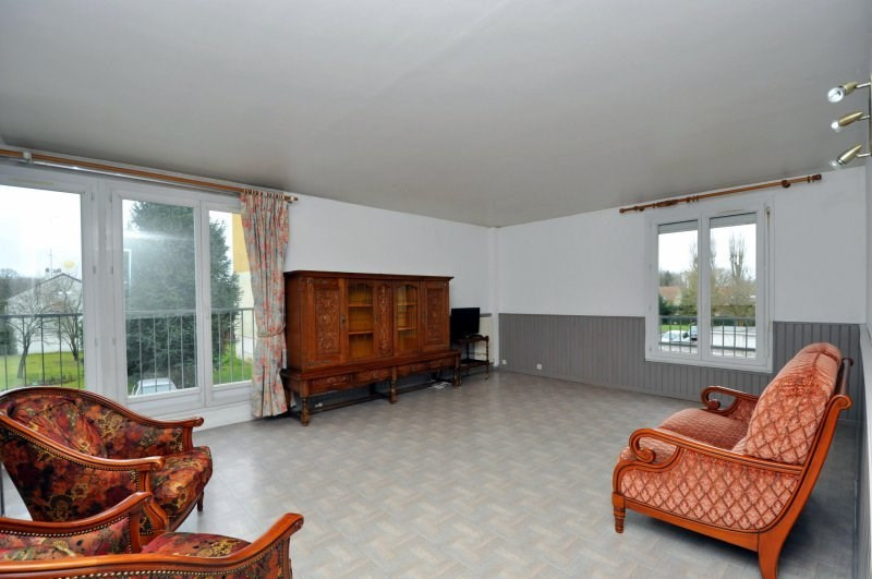 Sale apartment Bruyeres le chatel 159 000€ - Picture 2