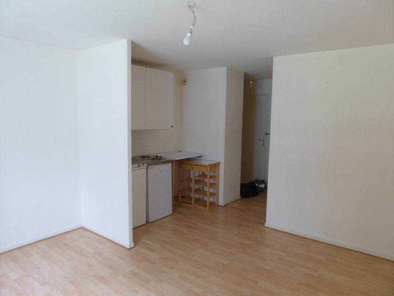 Rental apartment Maurepas 601€ CC - Picture 2