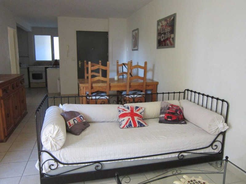 Location appartement Lambesc 850€ CC - Photo 1