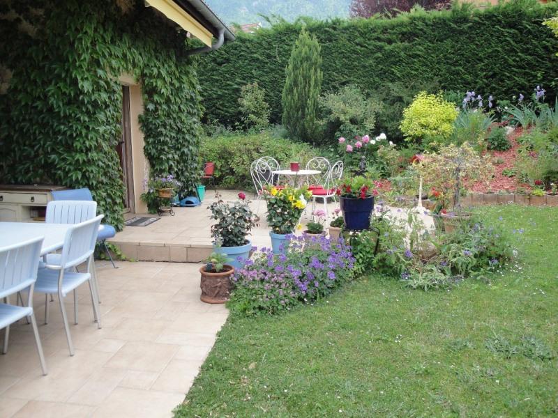Sale house / villa Viuz-la-chiésaz 538000€ - Picture 1