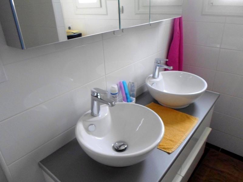 Location vacances maison / villa Saint-palais-sur-mer 488€ - Photo 5