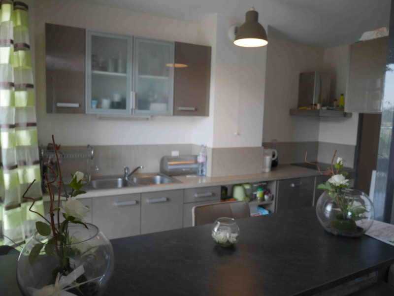 Sale apartment Seynod 260 000€ - Picture 1