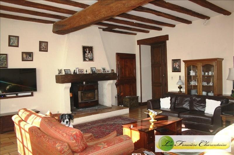 Vente maison / villa Chef-boutonne 283500€ - Photo 2