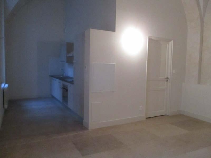 Rental apartment Nimes 846€ CC - Picture 2