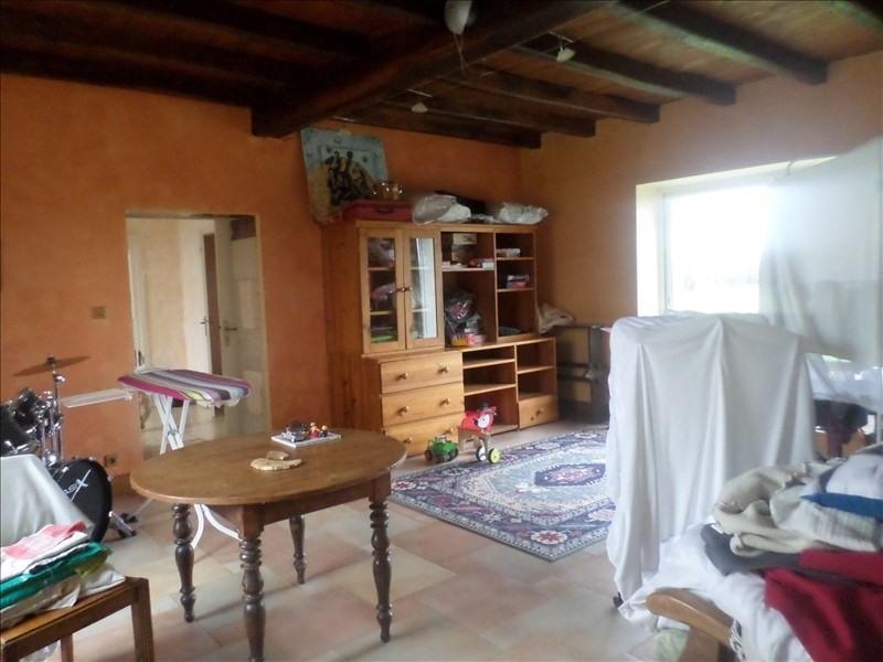 Location maison / villa Gencay 860€ CC - Photo 4