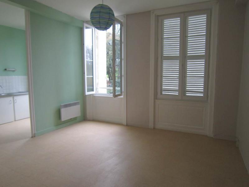 Rental apartment Cognac 370€ CC - Picture 1