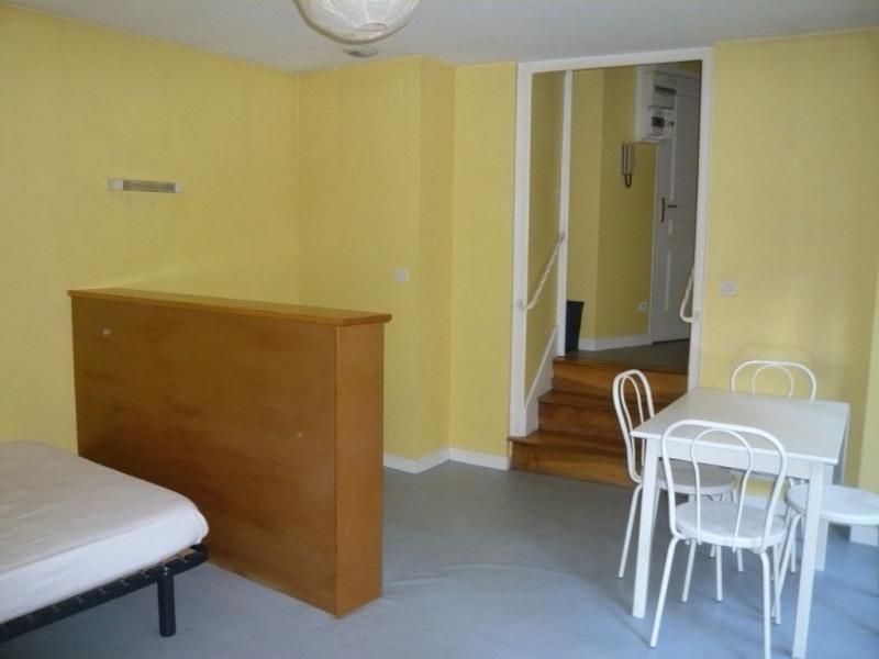 Rental apartment Laval 297€ CC - Picture 2