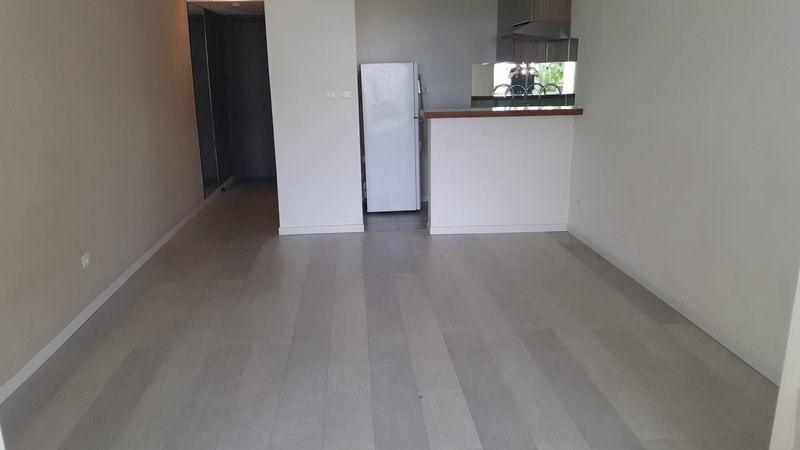 Location appartement St denis 460€ CC - Photo 2