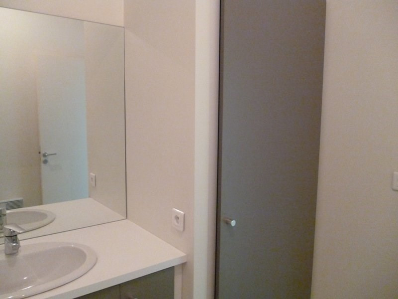 Rental apartment Aureilhan 420€ CC - Picture 6