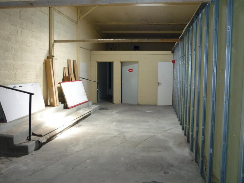 Location local commercial Lisieux 2 340€ CC - Photo 5