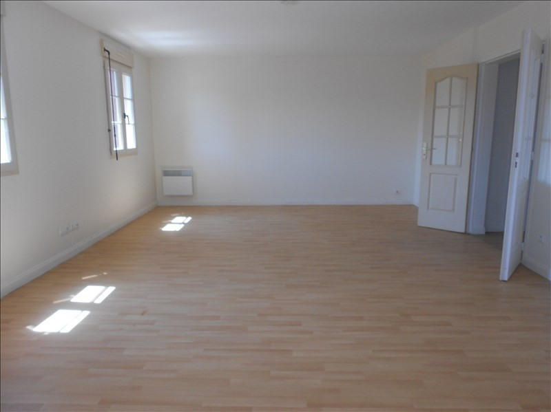 Rental apartment Provins 690€ CC - Picture 1