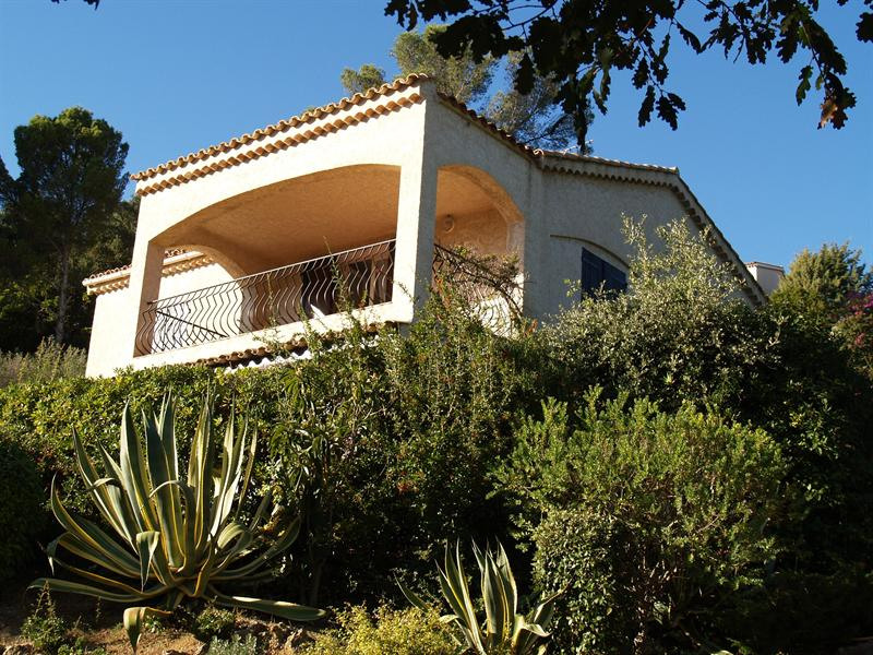 Vacation rental house / villa Les issambres 750€ - Picture 2