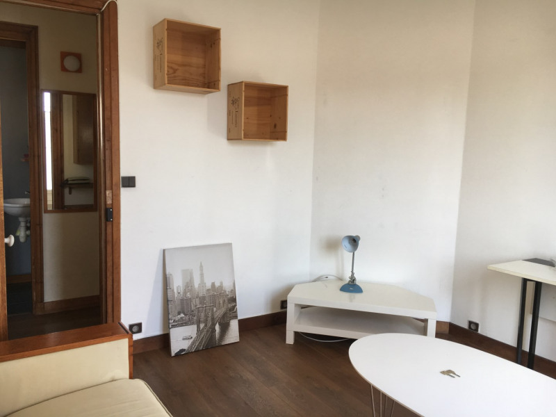 Location appartement Paris 18ème 920€ CC - Photo 4
