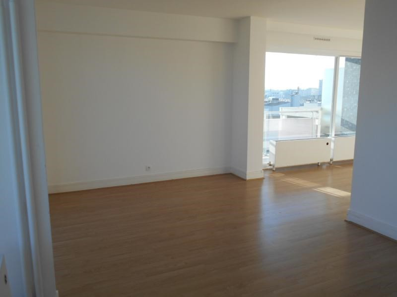 Location appartement Paris 15ème 1 960€ CC - Photo 5
