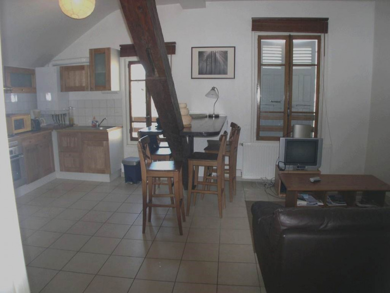 Location appartement Annecy 885€ CC - Photo 1