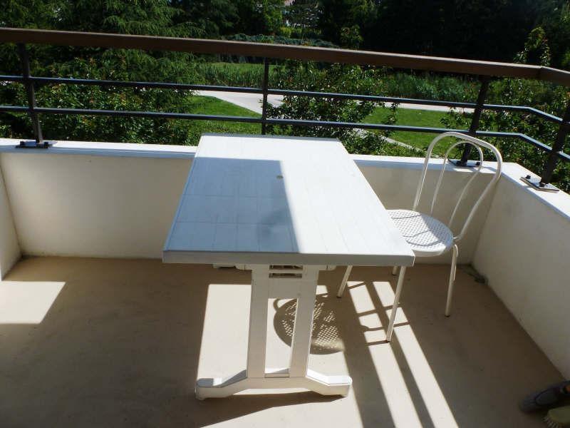 Rental apartment Guyancourt 861€ CC - Picture 2