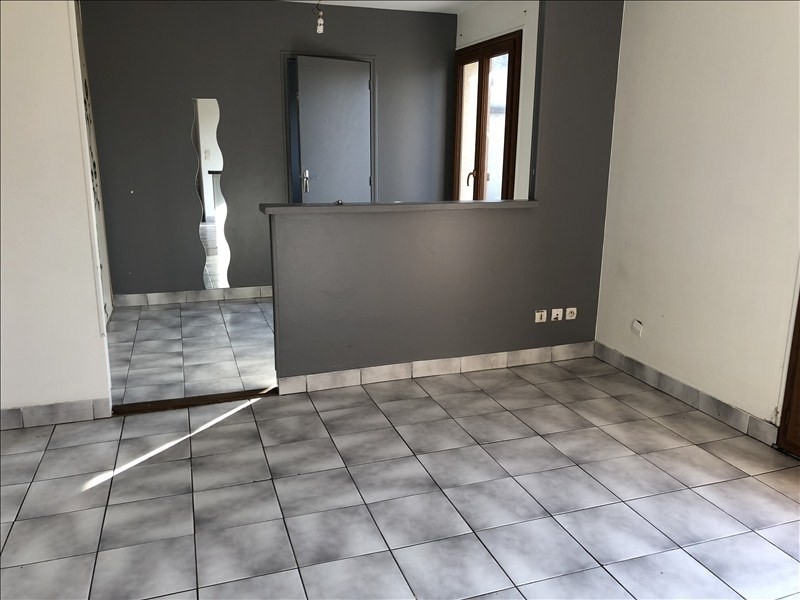 Location appartement Montfermeil 686€ CC - Photo 1