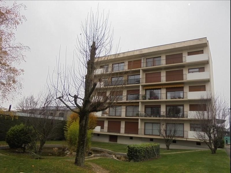 Sale apartment Troyes 243 000€ - Picture 1