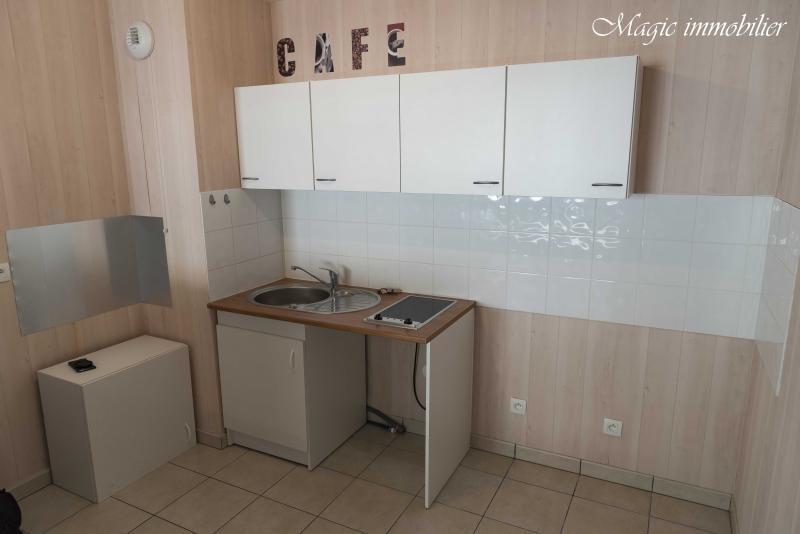 Rental apartment Collonges 773€ CC - Picture 3