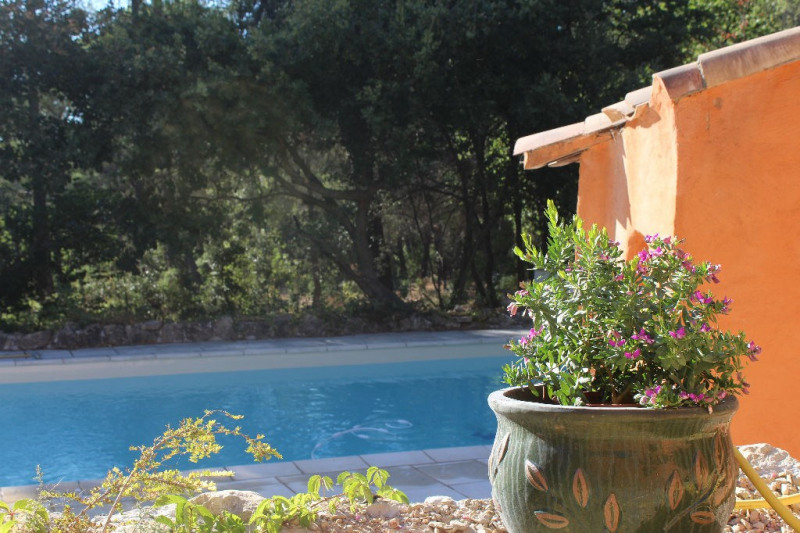 Location maison / villa Venelles 2200€ +CH - Photo 2