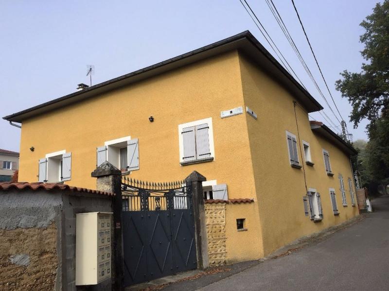 Rental house / villa La cote saint andre 700€ CC - Picture 1