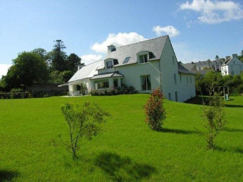 Deluxe sale house / villa Pont croix 717600€ - Picture 1