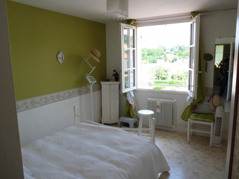 Venta  casa Chambon-feugerolles (le) 210000€ - Fotografía 4