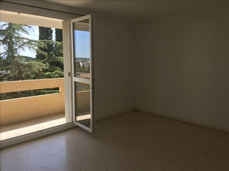 Location appartement Nimes 546€ CC - Photo 3