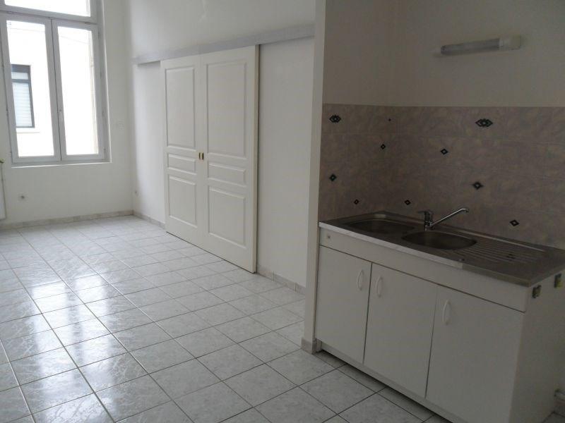 Rental apartment St quentin 595€ CC - Picture 1