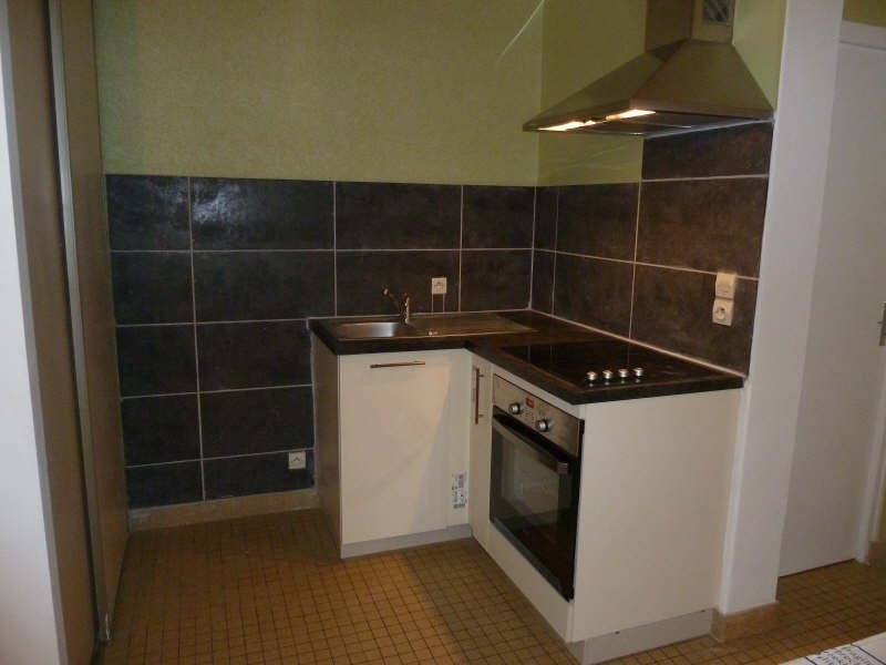 Location appartement Iteuil 390€ CC - Photo 1