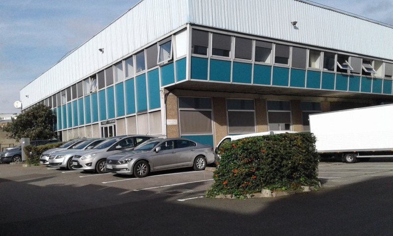 Location local commercial Ivry-sur-seine 3200€ +CH - Photo 5