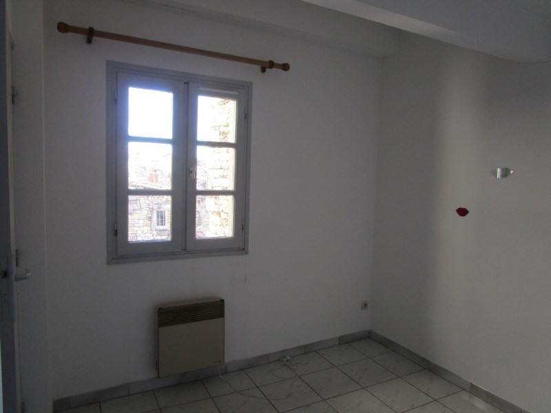 Rental apartment Nimes 341€ CC - Picture 4