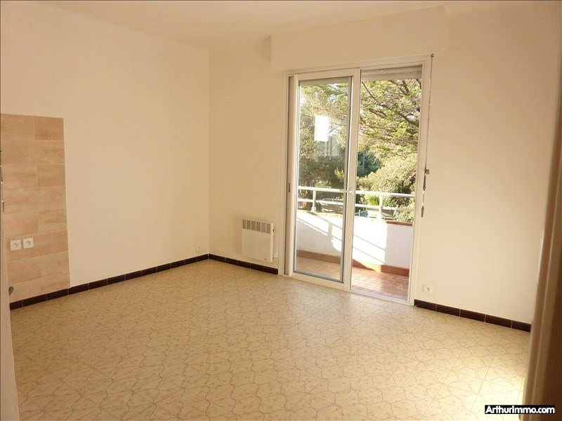 Rental apartment Saint-aygulf 620€ CC - Picture 4