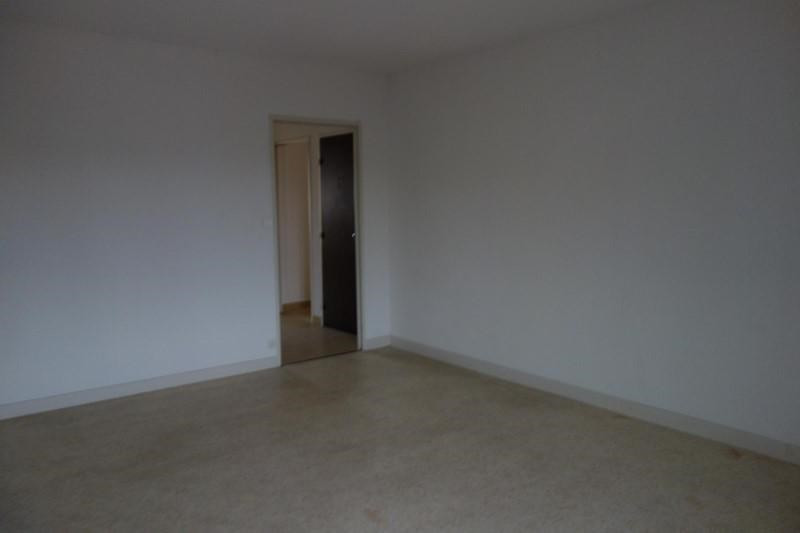 Location appartement Le coteau 643€ CC - Photo 1
